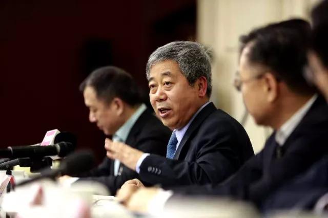 """两会教育 委员提建议部长来""""交账""""缩略图"""